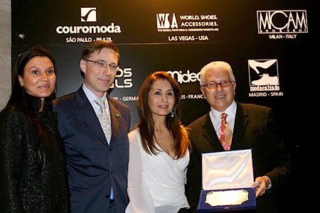 Consegna premio a Francisco e Waleska Santos di Couromoda